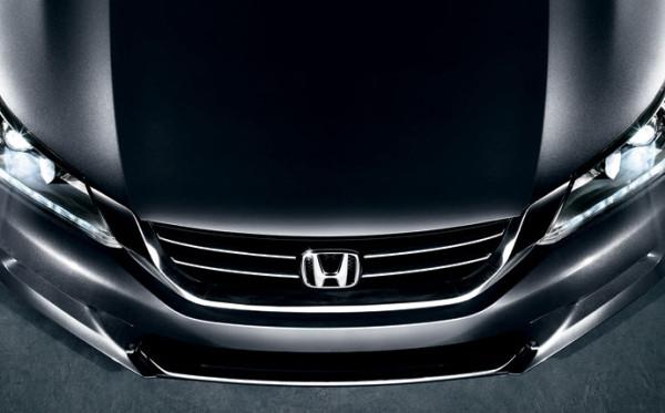 Detalle frontal del Honda Accord