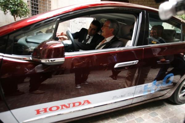 Honda FCX Clarity en el Ayuntamiento de Barcelona