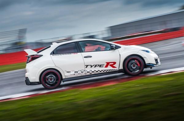 Honda Civic Type R sets new benchmark time at Silverstone with Honda BTCC's driver Matt Neal